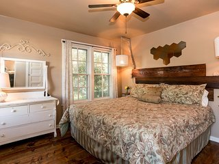 Courtyards on San Antonio St Ava Suite | Fredericksburg Vacation Rental