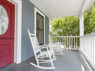 Hill Cottage | Fredericksburg Vacation Rental