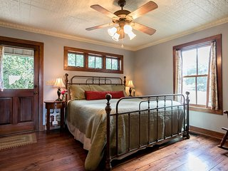 Honey Creek | Fredericksburg Vacation Rental