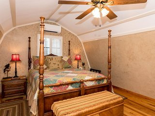 Ravenwood Cottage | Fredericksburg Vacation Rental