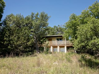 Alamo Springs The Country Cabin | Fredericksburg Vacation Rental