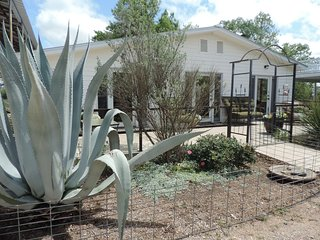 Mockingbird House | Fredericksburg Vacation Rental