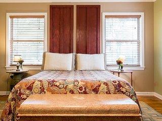 Oma Yaeger Haus | Fredericksburg Vacation Rental