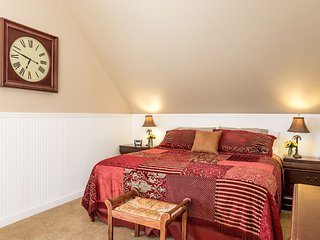 Town Creek Warren Suite B | Fredericksburg Vacation Rental