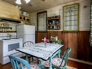 Broadway Cottage | Fredericksburg Vacation Rental
