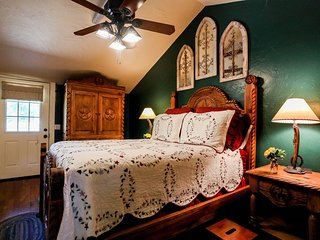 A Tex-Inn | Fredericksburg Vacation Rental