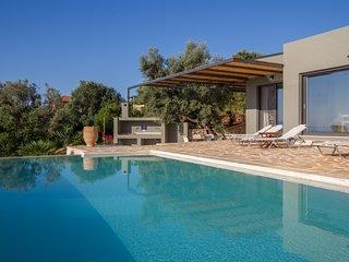 Villa Atokos - infinity pool on sea view with magic sunrise