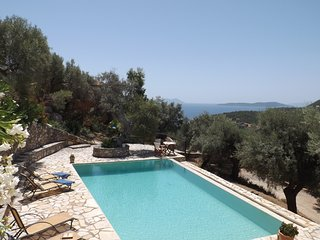 Villa Cristina - Charming Villa with an Amazing View on Sivota Bay