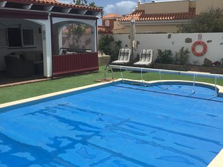 Air Conditioned Villa with large private heated pool on Golf Course