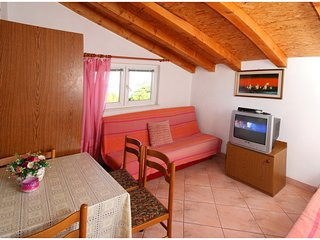 Apartment for renting.NEAR THE SEA
