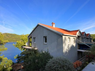 One bedroom apartment Brna, Korčula (A-9159-a)