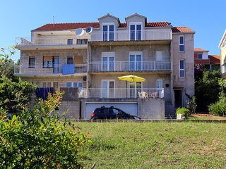 Two bedroom apartment Trogir (A-10242-a)