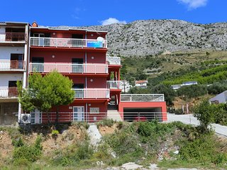Stanici Apartment Sleeps 8 with Air Con - 5470108