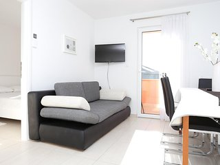 Two bedroom apartment Zečevo Rtić, Rogoznica (A-10325-b)