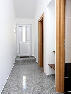 Hallway, Surface: 5 m²