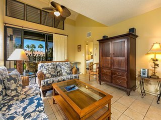 Top Family Pick! Roomy 2-Level w/Kitchen, Washer/Dryer, Lanai–Kamaole Sands 1401
