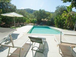 Moderne villa met zwembad