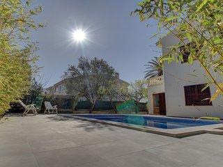 Villa Artist, pool, close to beach, Alcudia