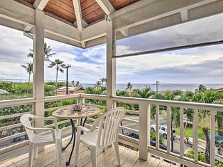NEW! Kailua-Kona Apt. w/Pool, Deck & Ocean Views!