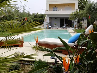 Villa Seaside / Serenity, salt water pool, close to the beach