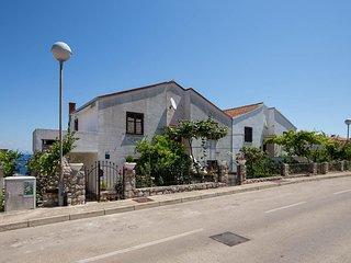 Two bedroom apartment Mali Losinj, Losinj (A-11104-a)
