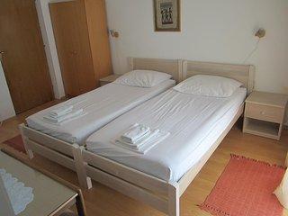Room Starigrad, Paklenica (S-11452-e)