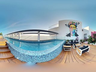 2Bed+ Jacuzzi +Spectacular Rooftop + 2 pools + close 5th.Av. Mamitas Beach