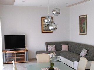 Three bedroom apartment Tisno, Murter (A-11313-c)