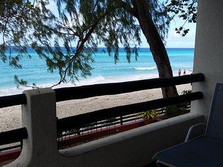 3 Seastar, Beachfront Apartment, Worthing Beach, Barbados, Caribbean.