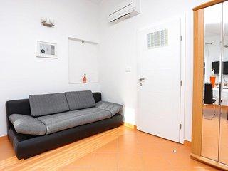 Studio flat Zečevo Rtić, Rogoznica (AS-10400-b)
