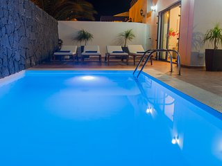 Villa Alexia with private heated pool, wifi, air conditioning, etc ...
