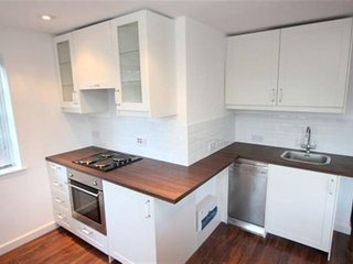 Lovely 1 Bedroom Apartment With Private Courtyard And Parking Space