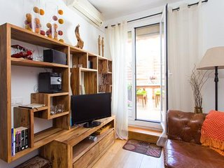 Duplex atico 1BR/1BA with 2 Terraces with views of Sagrada Familia. Come Visit!