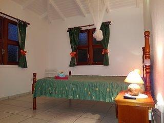 2ième chambre, lit en 140 x 190 cm