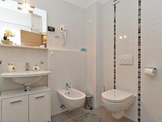 Apartment 16232