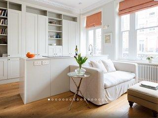 Luxe apartment in Kensington Olympia (sleeps 2, walk to Westfield)