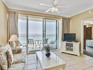 2bd/2ba~Luxurious Condo located in PCB~ Perfect for Summer! Book now!!