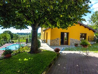 Quiet and warm Villa in Le Marche