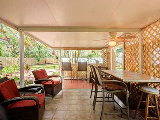 Bring the Whole Family! Great Outdoor Living Area-Dog Friendly-Close 2 Bch-Golf