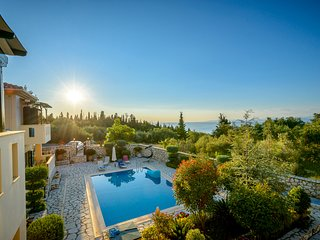 2 private pool villas,wonderful view,3 kms beaches,each sleeps 6,brand new