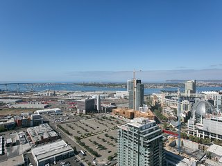 Contemporary 2BR in Downtown San Diego by Sonder