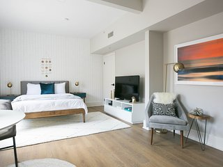 Stunning Studio in Gaslamp Quarter by Sonder
