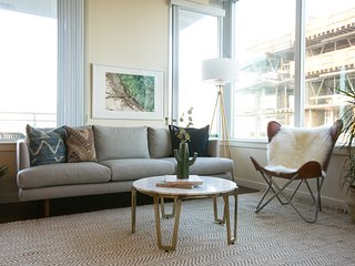 Sophisticated 2BR in Downtown San Diego by Sonder