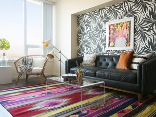Colorful 1BR in Downtown San Diego by Sonder