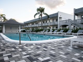 Classic 1BR in Wilton Manors by Sonder