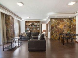 Cozy 2-bed apartment near Los Cristianos beach!