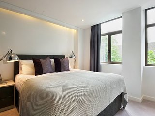 5* 1 Bedroom - Sleeps 5 Central London Luxury Chancery Lane Tube & The City
