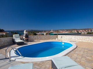 Cozy Apartment Rosmarin with private Pool