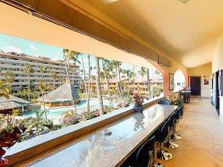 5 Bedroom 6 Bathroom  Ultimate Penthouse - located one block to Medano beach