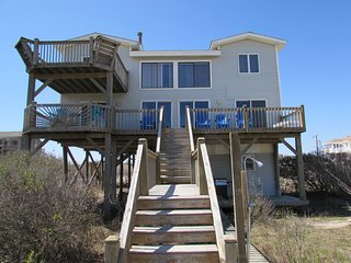 3BR Oceanfront Home, Carova Beach Wild Horses! Private,Quiet, Bring Your Dog!